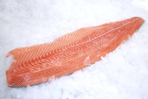 Dos de Saumon - LES PIRATES - poissonnerie - produits locaux - mediterranee - Mouans-Sartoux Grasse 06